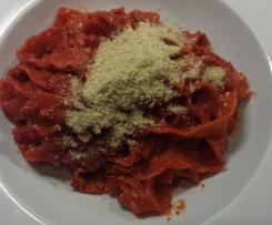 Rote Bete Sauce zu Nudeln, vegan