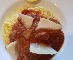 Gerrys Pasta mit Lammlachs und Tomatensugo
