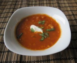 Rote Linsen-Tomatensuppe