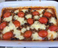 Überbackener Feta in Tomatensoße