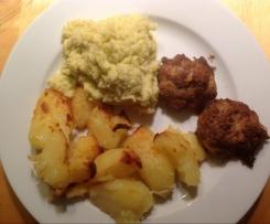 Rahmwirsing mit Ofenfrikadellen und Ofenkartoffeln