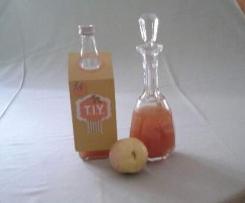 Fruchtiger Quittenlikör
