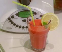 Erfrischender Erdbeer Bananen Reismilch Smoothie