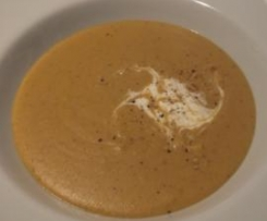 "Vegane Variation von Möhren/Ingwer/Linsen-Currycremesuppe (""Curried Carrot and Ginger Soup"")"