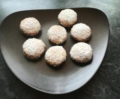Gefüllte Eierplätzchen mit Vanillepudding und Kokosmilch