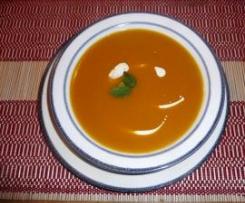 Kürbissuppe mit Ingwer und Apfel