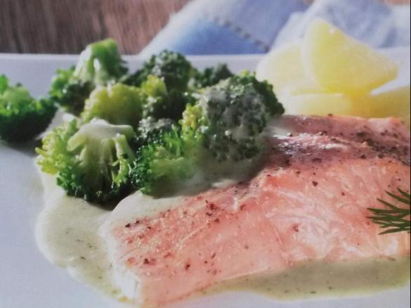 Lachsfilet Mit Brokkoli Kartoffeln Und Dillsauce Von Noldine Ein
