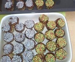 Minikuchen im Waffelbecher