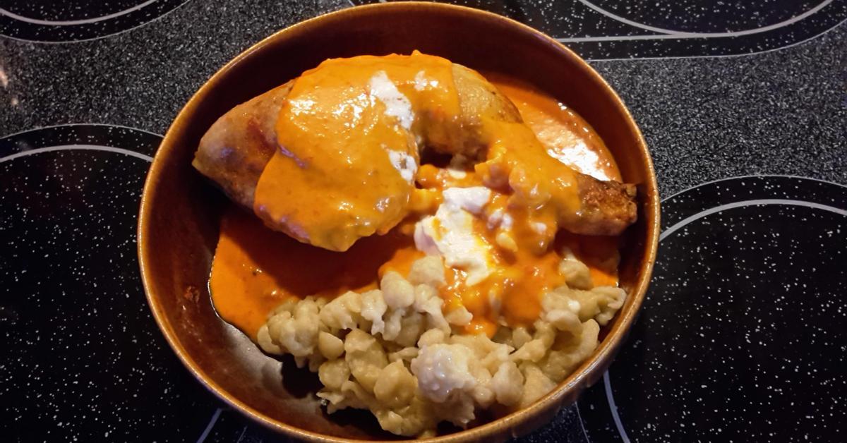 Ungarisches paprikahuhn paprik s csirke von nikkifisch ein thermomix rezept aus der Ungarisches paprikahuhn