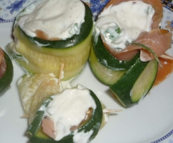 Zucchini-Lachs Röllchen