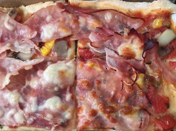 Bevorzugt Pizzateig ohne Hefe von N.N.. Ein Thermomix ® Rezept aus der RL52