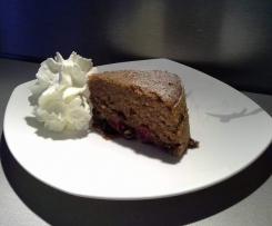 Saftiger Rotweinkuchen mit Kirschen, Haselnüssen und Schokolade - VAROMA KUCHEN