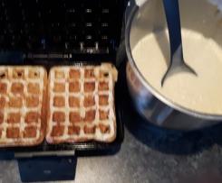 fluffige Vanille-Hefe-Waffeln