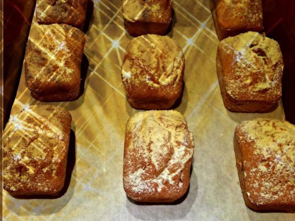 Mini Kuchen Mit Snickers Und Mars Fullung Von Danieladisint Ein