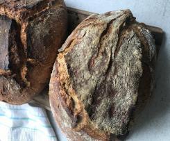 Sauerteig-Roggen-Dinkel-Brot