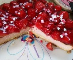 Weltbester Käsekuchen mit Erdbeeren