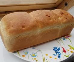 Toastbrot / Weißbrot (mit Trockenhefe)