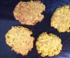 Gemüseburger mit Blumenkohl und Kartoffeln