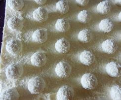 Kokospralinen-Blechkuchen