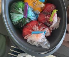 Eier färben mit Lebensmittelfarbe