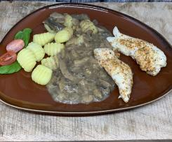 Hähnchenfilets mit Gnocchi und Pilzsauce