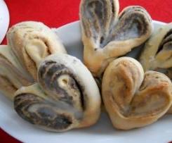 Valentinsherzen  ( Variante von Heimchens Mohn-u. Nussschnecken )