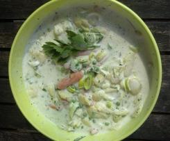 Sommerlicher Kartoffelsalat mit Gemüse und Kräutern