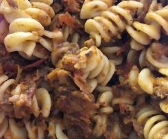vegetarische Pilz-Bolognese mit Steinpilzen und Champignons