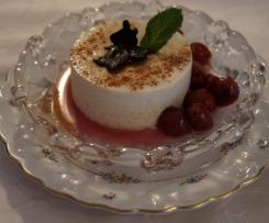 Joghurt Panna Cotta mit Glühweinkirschen