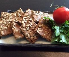 Petras Variation von Paleo//low carb gluten frei Knäckebrot