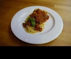 Auberginensosse zu Spaghetti, vegan