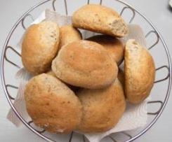 Haselnuß-Dinkelbrötchen