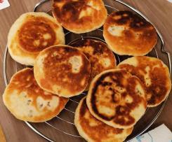 Hotteok (Hoddeok) - süße gefüllte koreanische Pancakes (Streetfood)