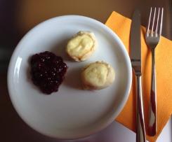 Camembert im Brotmantel