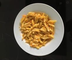 Penne in Möhren-Käse-Sauce