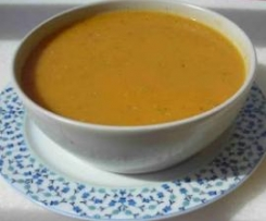 Variation von Rote linsen suppe (Kirmizi mercimek corbasi)