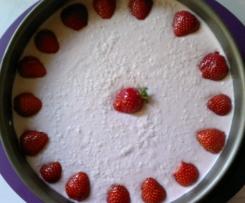 Erdbeer-Kokos-Frischkäse-Torte