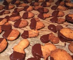 Mandelplätzchen mit Kakaonibs, glutenfrei