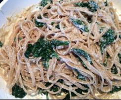 Vollkorn-Linguine  oder Spagetti mit Spinat und Cashewsoße ,vegan