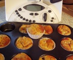 Variation von Rhabarber-Muffins (ohne Rhabarber, dafür mit Weinbergspfirsischen)