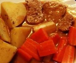 Schweinfilet mit Kartoffeln und Gemüse