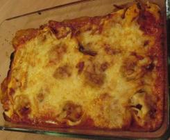 Tortellini- Auflauf mit Salami- Paprika