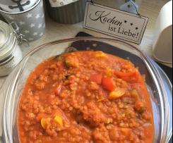 Zucchini-Paprika-Soße mit roten Linsen