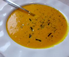 Kürbis Suppe mit Pepp
