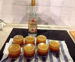 Marillenmarmelade (Aprikosenmarmelade) mit Schuss