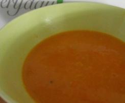 Möhren-Suppe mit frischem Ingwer