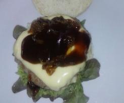 Karamellisierte Zwiebeln für Hamburger