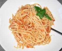 Spaghetti mit Bruschettasoße