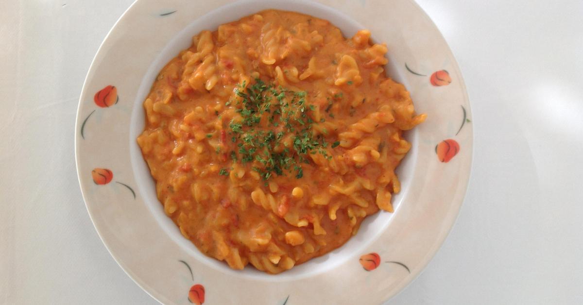 nudeln mit tomatensauce von emirelisa ein thermomix rezept aus der kategorie hauptgerichte. Black Bedroom Furniture Sets. Home Design Ideas