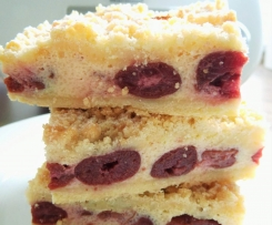 Streuselkuchen mit Quark-Kirsch-Füllung